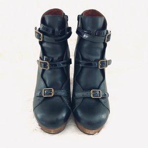 HP 🎉 See by CHLOE Black Leather buckle booties 36
